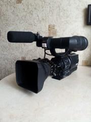 Профессиональная камера HDV+  mini-DV  JVC GY HD110 ЦИФРА